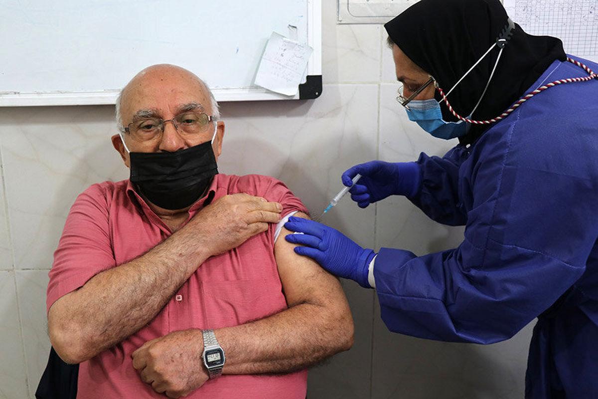 واکسیناسیون افراد ۵۰ سال به بالا در ۴ استان